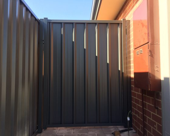 Colorbond Gate Baldivis (Brightwood)