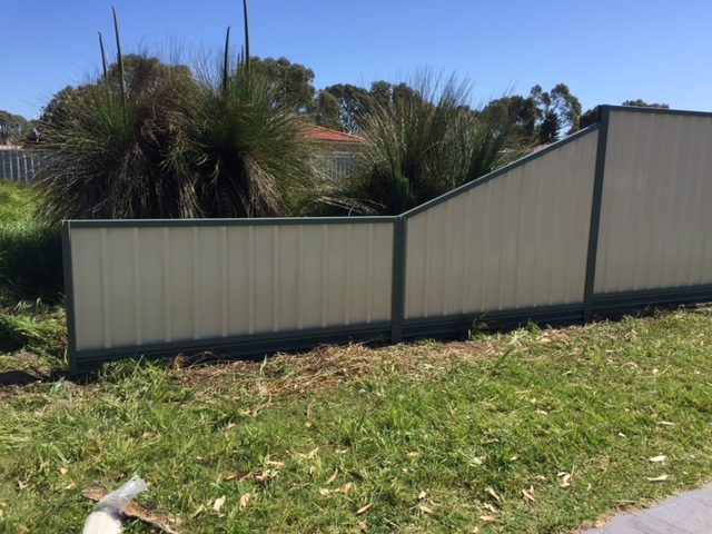 colorbond_fencing_in_port_kennedy 2
